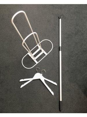 1  bøjlefanger og 1 bøjlestander i hvid